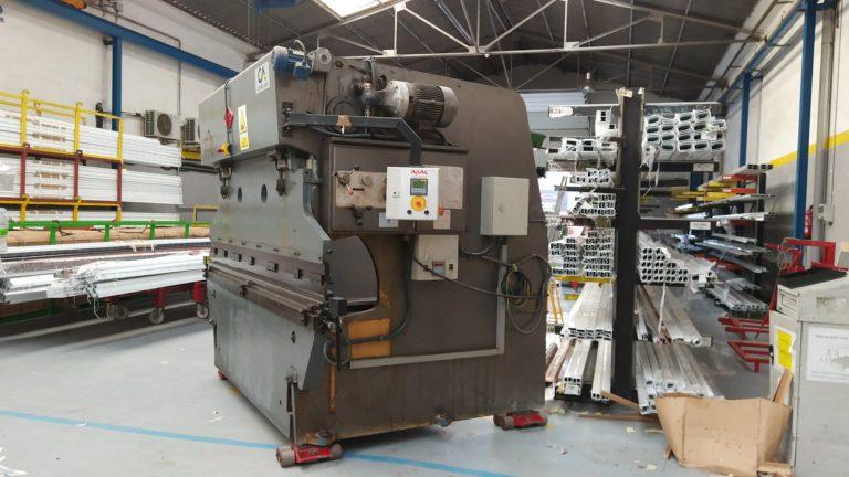 Sustituimos nuestras máquinas de corte y doblado en Sabadell