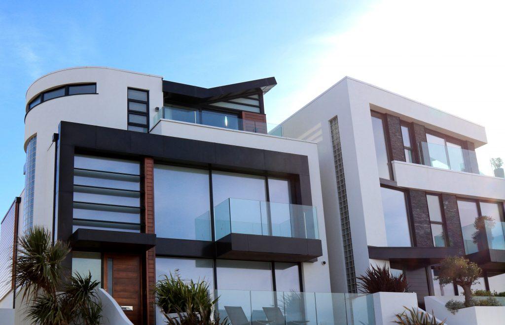 ¿Cómo instalar nuestras ventanas de aluminio en la pared?